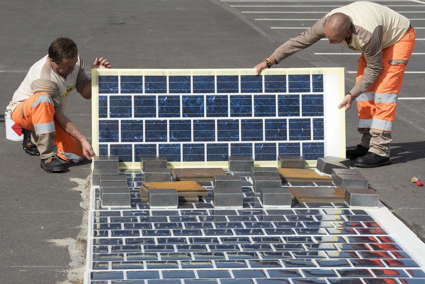 France_Solar_Roads_Green_Builder