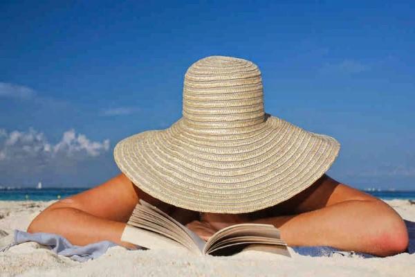 ŠTO ČITATI NA PLAŽI?